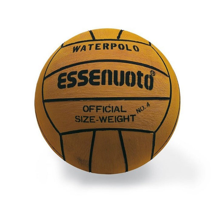 Ballon de water-polo de marque Essenuoto