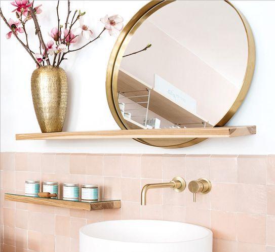 Salle de bain doré